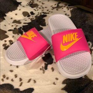 Nike woman's slides NWT pink and orange
